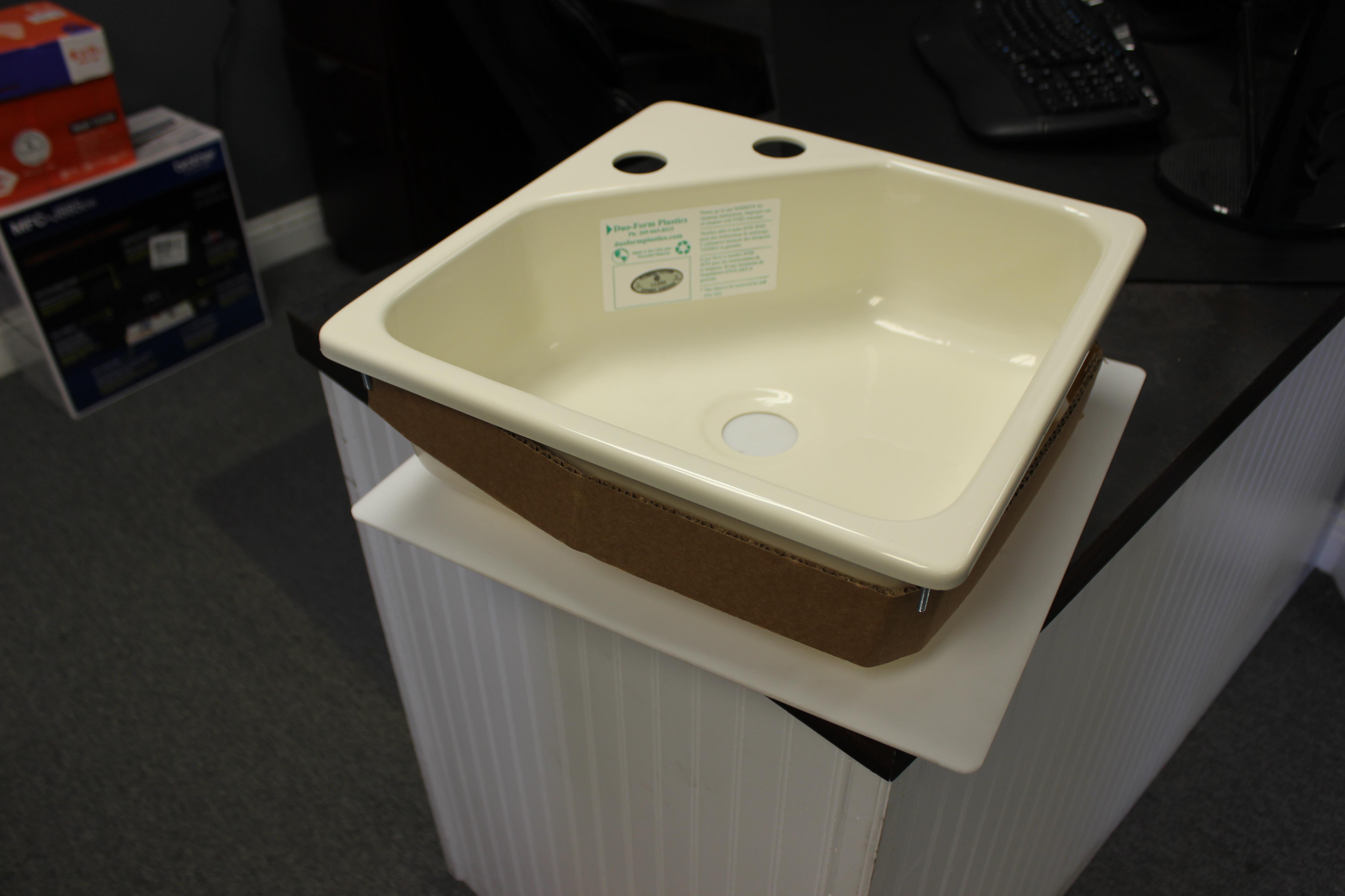 15 Quot X 15 Quot Acrylic Utility Sink With Corner Faucet Mount